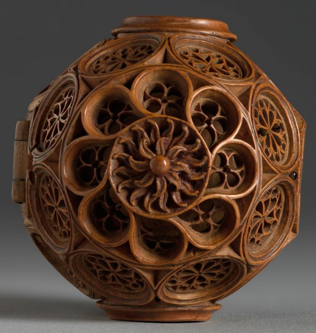 miniature-boxwood-carvings-16th-century-8