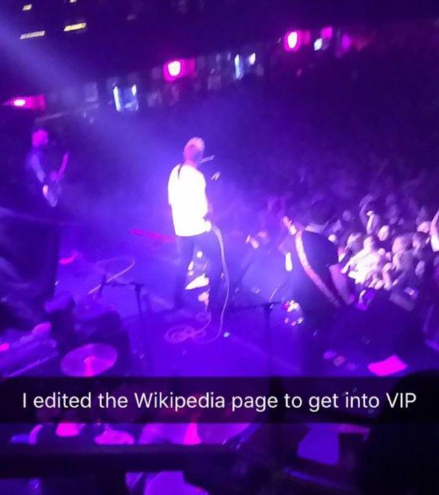 teen-sneaks-vip-band-concert-wikipedia-21