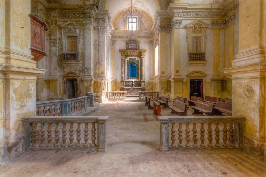 Chiesa in Italia