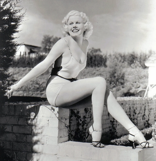 """shape perfect body changed 100 years 32 - Veja como o corpo feminino """"perfeito"""" mudou em 100 anos"""