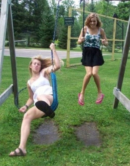 Amazingly Timed Photo Of A Swing Breaking