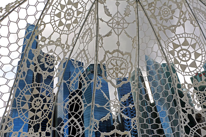 crocheted-urchins-sculpture-choi-shine-architects-singapore-marina-bay-14