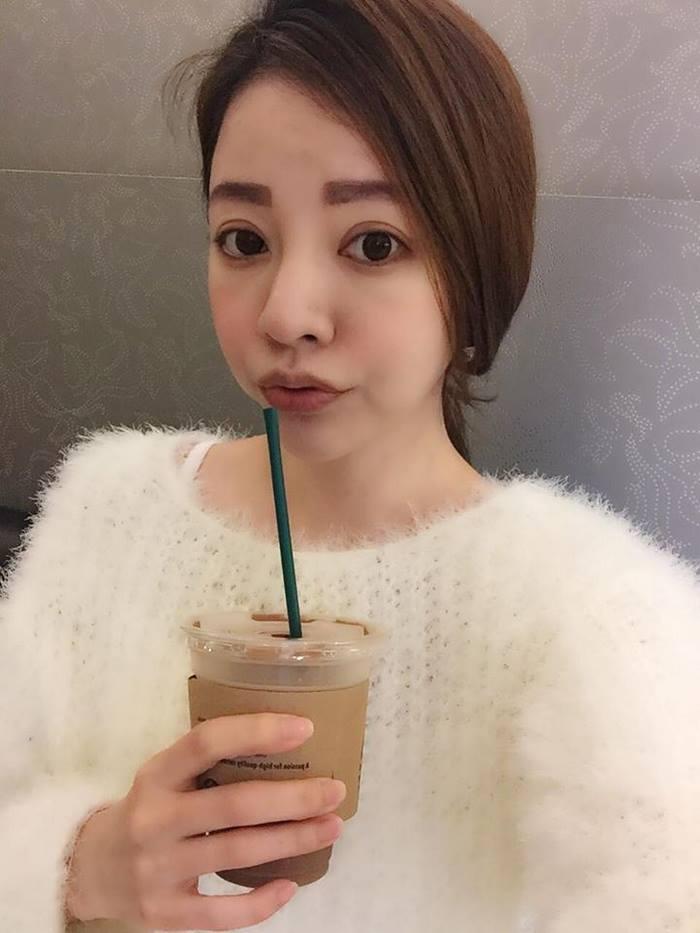 giovanile-taiwanese-donna-madre-sorelle-attirare-fayfay-sharon-Hsu-001