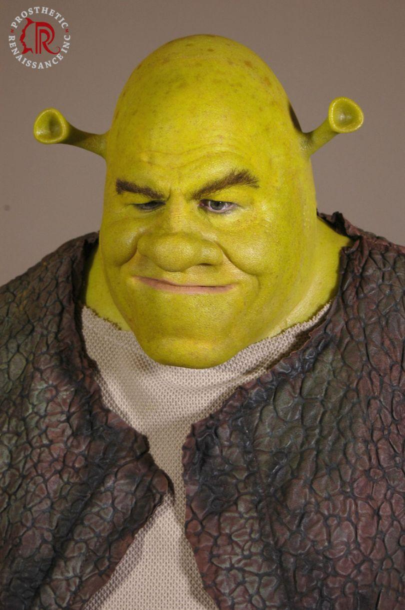 Shrek Logo 596f5cddd6e3f  880 - Especialistas em caracterização com maquiagem em Hollywood