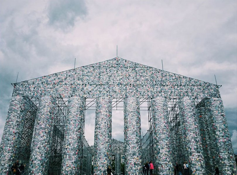 parthenon books marta minujin germany 10 595f2e85b8e35  700 - Artista usa cem mil livros proibidos para construir um Parthenon