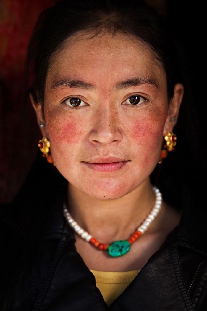 She photographed women in 60 countries to change the way we see beauty 59c8d09535cfb  880 - Projeto de fotógrafa romena propõe tirar fotos de mulheres pelo mundo