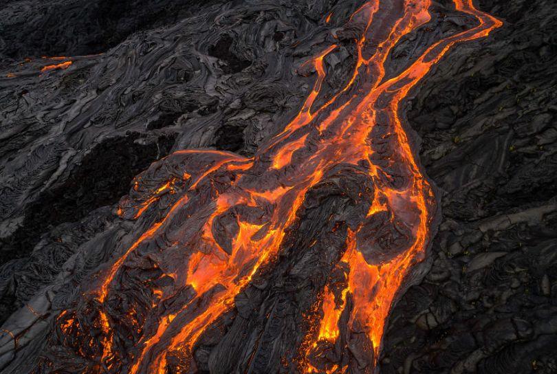 I melted my drone camera flying to close to the lava flows of mount Kilauea Hawaii 59f8c868896be  880 - Fotógrafo chega muito perto de lava com o seu Drone