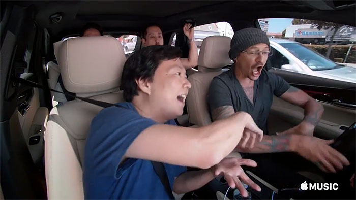 chester-bennington-linkin-park-carpool-karaoke-13