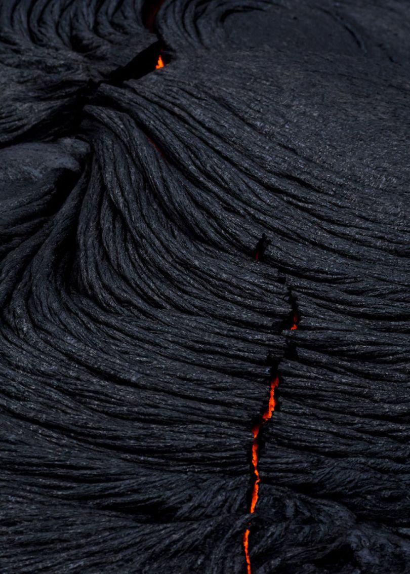 j Kilauea Lava Flows 7 10 2017 21 59f8c7fde54f9  880 - Fotógrafo chega muito perto de lava com o seu Drone