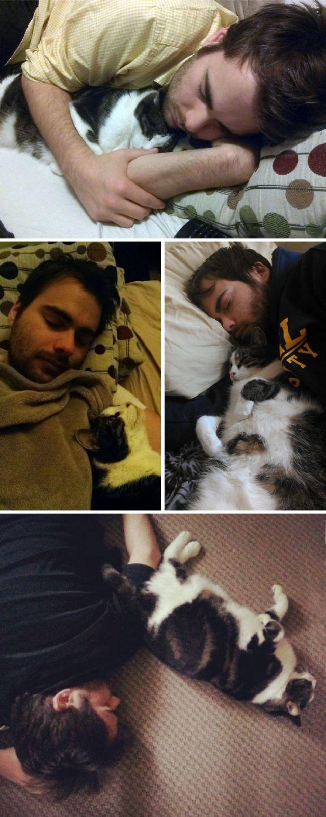 No importa donde duerma mi marido, el gatito lo halla y se duerme con él