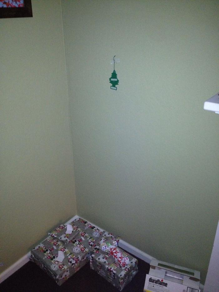 Put Up The Christmas Tree, They Said...