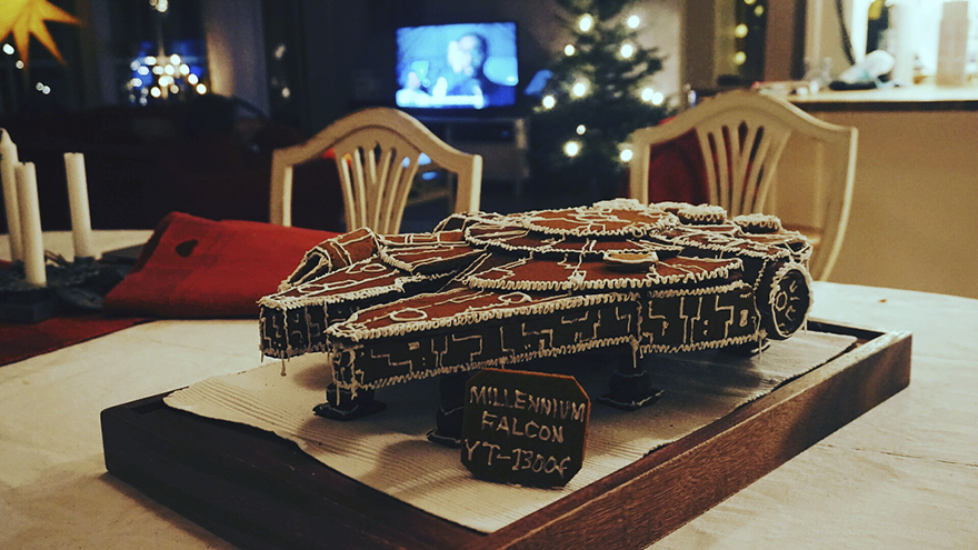 gingerbread imperial star destroyer star wars bakery 12 5a3cd04b507bd  880 - This Giant Gingerbread Imperial Star Destroyer Just Put All Gingerbreads To Shame