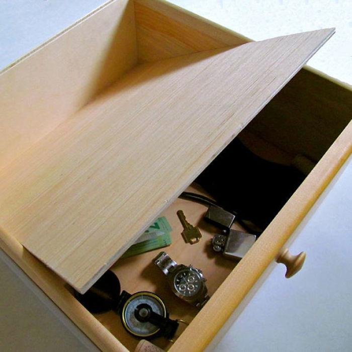 Falso fondo en un cajón