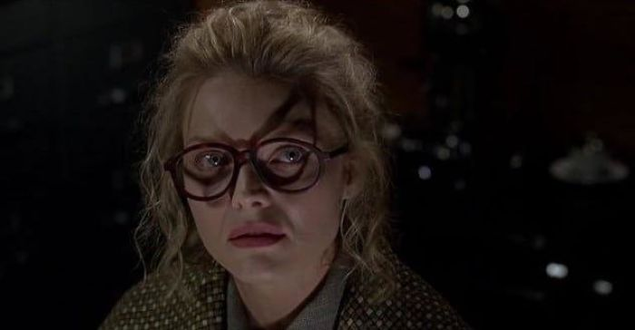 In Batman Returns, The Shadow From Selena Kyle's Glasses Foreshadows Her Transformation Into Catwoman