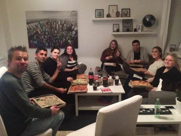 Last-Year-I-invited-more-than-100-strangers-into-my-home-5a93f1fd726a6__880 I Invited More Than 100 Lonely Strangers Into My Home, And Here's Why Design Random