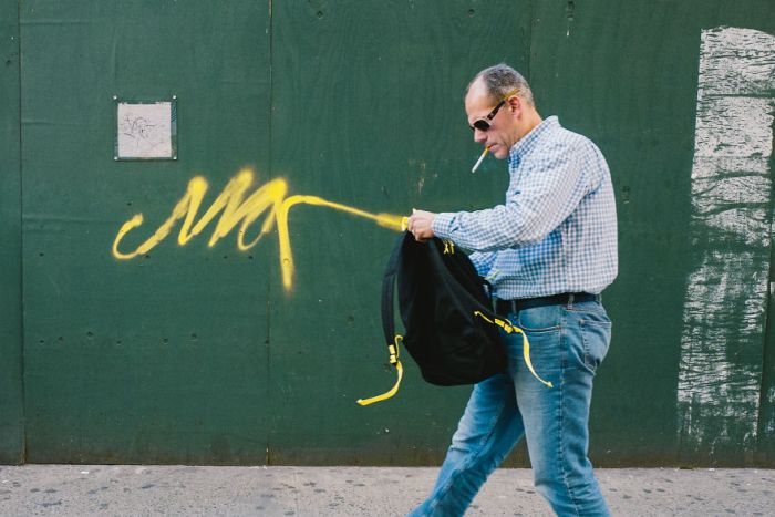 Amazing Candid Coincidences In Jonathan Higbee's New York Street Photography