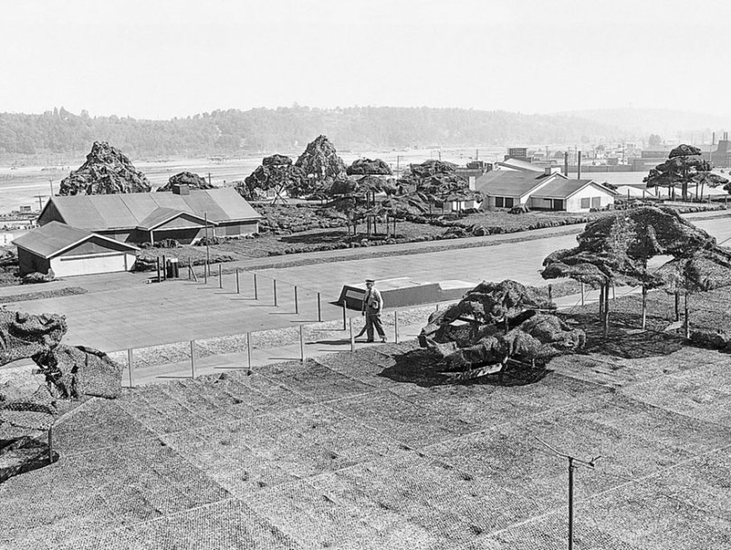"""boeing fake rooftop town world war seattle 1 5aa65553b3229  880 - 2ª Guerra: EUA projeta um """"bairro falso"""" para eliminar possíveis ataques aéreos"""