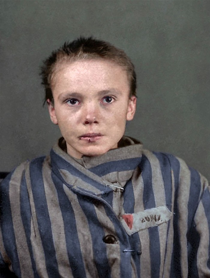 colorized-auschwitz-girl-czeslava-kwoka-black-white-historic-photos-marina-amaral-5aaa527127eb4__700 The Last Photos Of A 14-Year-Old Polish Girl In Auschwitz Get Colorized, And They'll Break Your Heart Design Photography Random