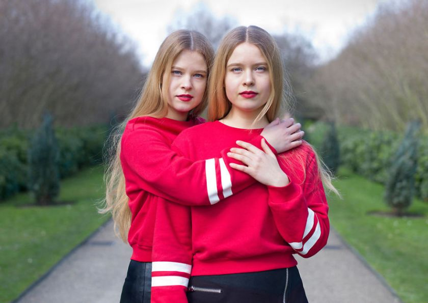 london-identical-twin-portraits-alike-but-not-like-peter-zelewski-27-5abb65ee4813d__880 Portraits Of Identical Twins Show Just How Different They Are Art Design Photography Random