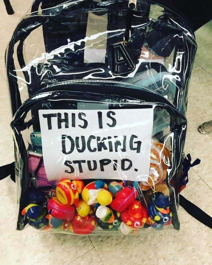 BhHlKp7HdUe-png__700 Parkland Students Are Trolling Their Mandatory Clear Backpacks By Carrying Things That Scare Conservatives The Most Design Random