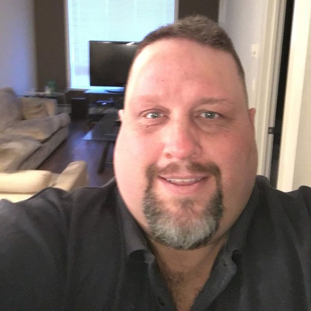 before-and-after-weight-loss-tony-bussey-fort-mcmurray-alberta-canada-2-5ac36dc282bc1__700 Obese Dad Finds Out He Needs 2 Seats On Evacuation Flight, Transforms His Body Beyond Recognition In 2 Years Design Random