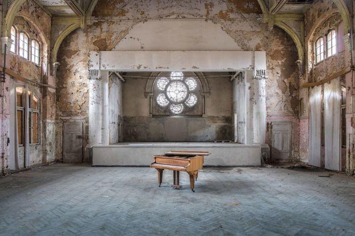 Requiem Pour Pianos 28