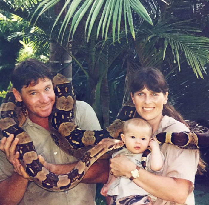 steve-crocodile-hunter-daughter-follows-fathers-footsteps-bindi-irwin23
