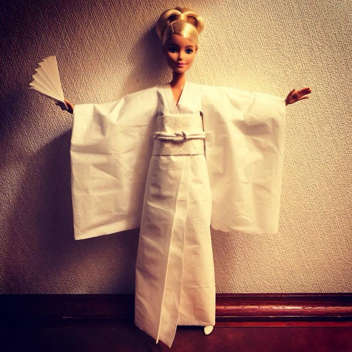 tissue-3-5ac2387a144eb__700 Man Uses Toilet Paper And Tissues To Create Wedding Dresses For His Barbies, And Result Is Amazing Art Design Random