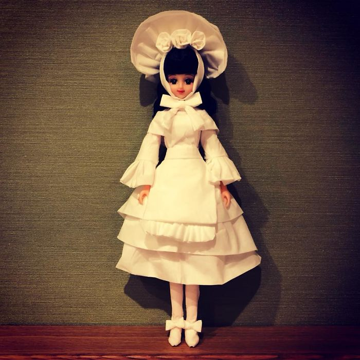 tissue-6-5ac2388d883f6__700 Man Uses Toilet Paper And Tissues To Create Wedding Dresses For His Barbies, And Result Is Amazing Art Design Random