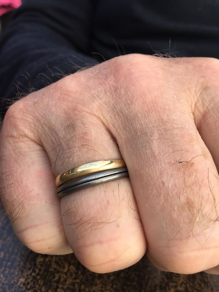 When I Was 5 I Gave My Dad A 'Ring' Made Of A Just Keychain Ring. 22 Years Later, And He's Still Wearing It