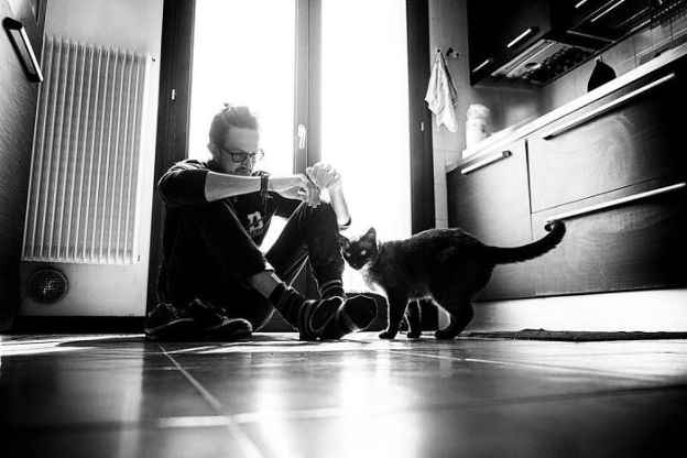 I-photograph-men-with-their-cats-and-the-result-is-cuteness-overload-5b03bab664485__700 I Photograph Men With Their Cats And The Result Is Cuteness Overload! Design Photography Random