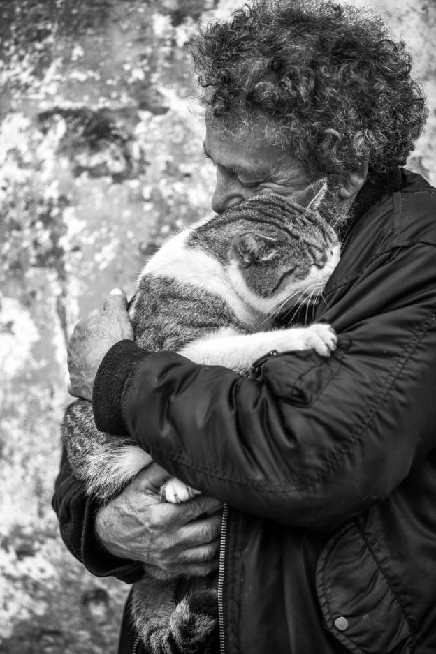 IMG_2836def-4-5b02f14997d21__700 I Photograph Men With Their Cats And The Result Is Cuteness Overload! Design Photography Random