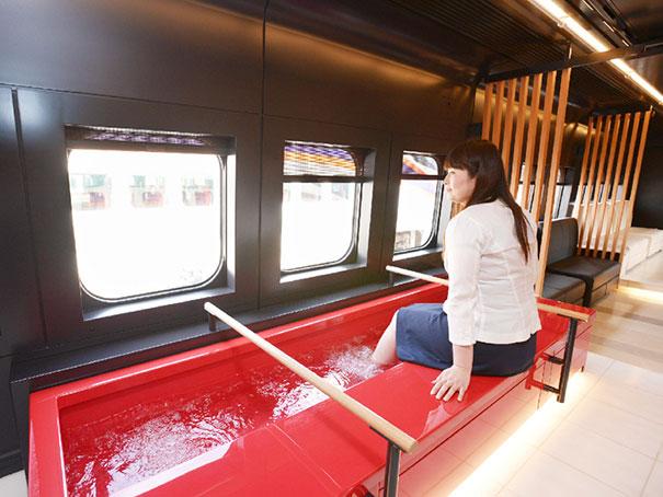 Toreiyu Tsubasa Train In Japan Is Equipped With Footbaths So You Can Enjoy A Relaxing Trip