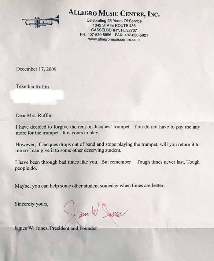 Encontré una vieja carta enviada a mi madre que estaba luchando para hacer pagos en mi trompeta