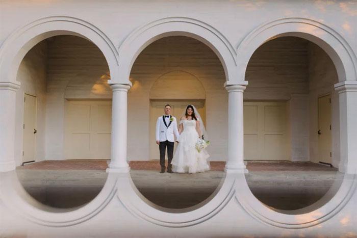 Phone-screen-reflection-trick-wedding-photography-mathias-fast-42