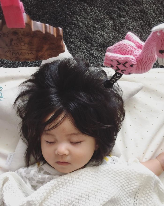 This baby hairy will be the cutest thing youll ever see today 5b503038a68c2  700 - Ela ficou conhecida na Internet como o bebê mais cabeludo do mundo