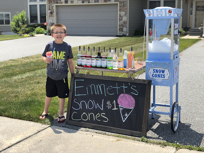 father son selling snow cones business Emmett (5)