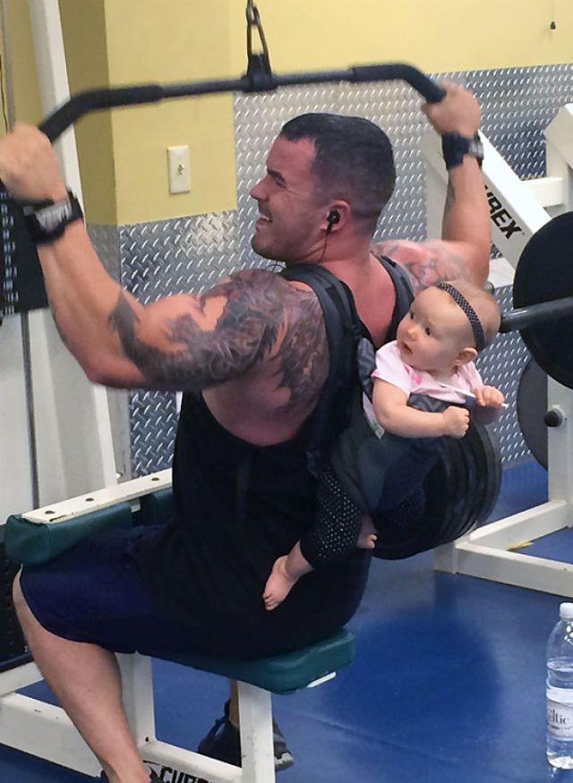Este individuo hace ejercicio en mi gimnasio