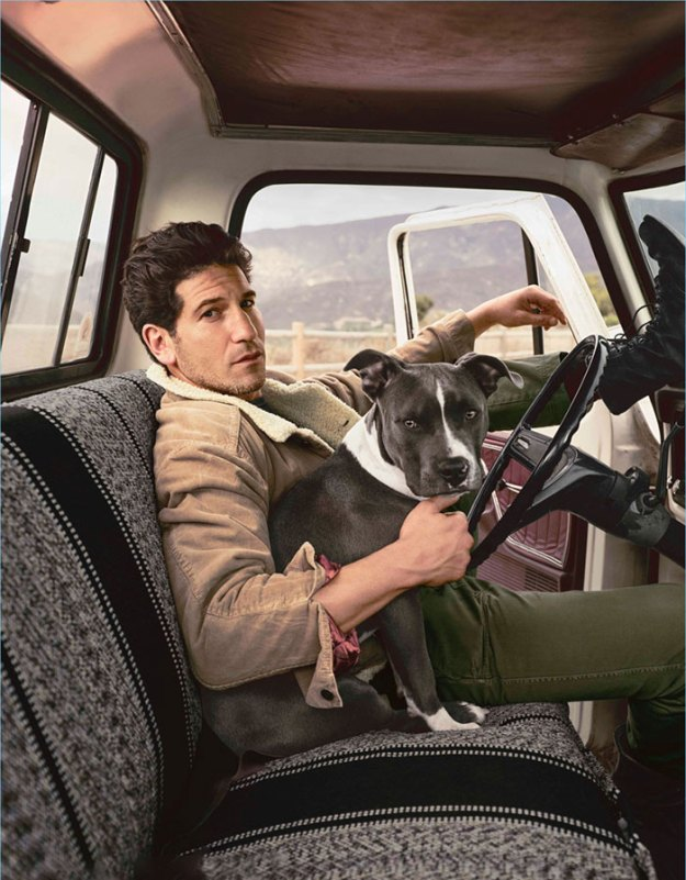 pitbull-lover-jon-bernthal-5b59679199f4b__700 Heartwarming Photos Of 'The Walking Dead' Star With His 3 Rescue Pit Bulls Will Melt Your Heart Design Random
