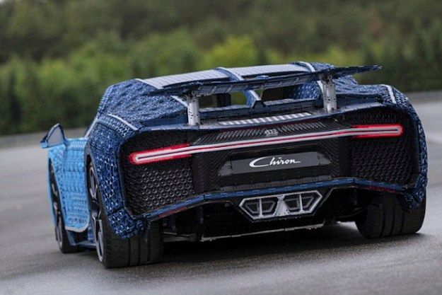 life-size-bugatti-chiron-lego-5b88f125761c4__700 LEGO Builds Bugatti Chiron From 1,000,000+ LEGO Bricks, And This Test-Drive Video Shows Just How Epic It Truly Is Design Random