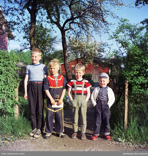 photography-70s-people-huskvarna-evert-andersson-sweden-3-5b7420e7bd304__700 These 20+ Photos From A Swedish Huskvarna Town In The 70s Prove Things Were Cooler Back Then Design Photography Random