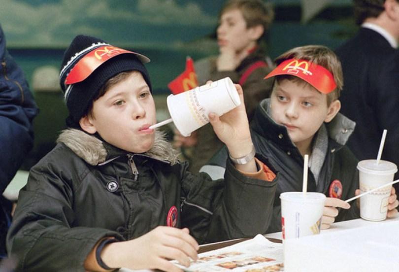 first mcdonald restaurant opens soviet union moscow russia 1900 41 5b963cad07c7c  700 - O primeiro McDonald's do Comunismo?