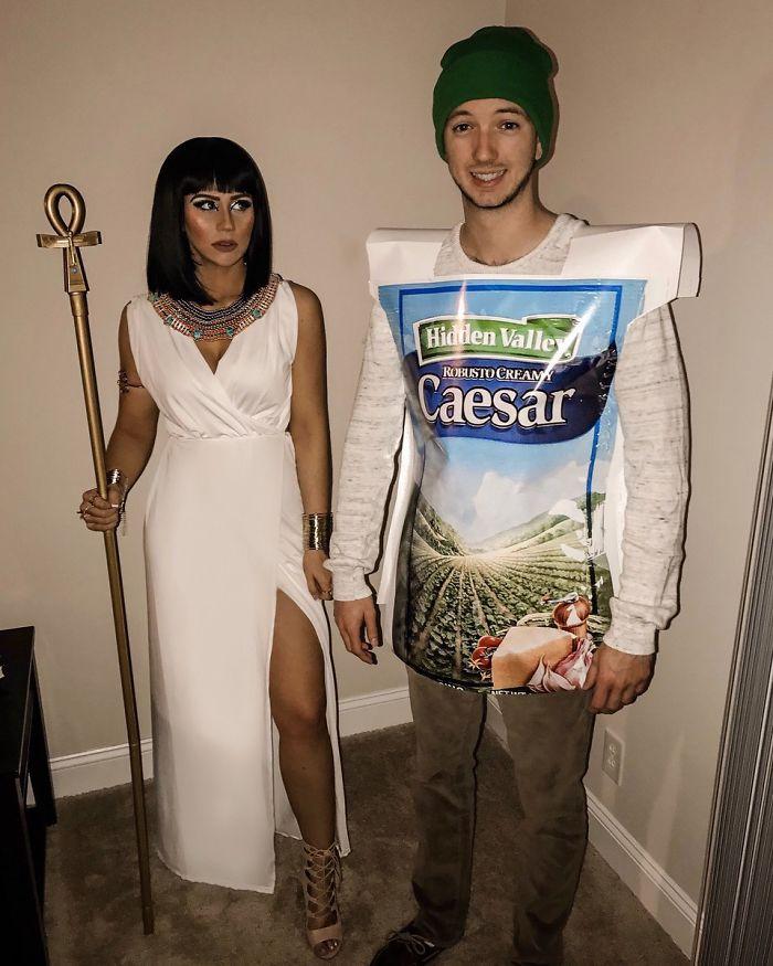 Bueno, se suponía que éramos Cleopatra y César. Caso clásico de falta de comunicación