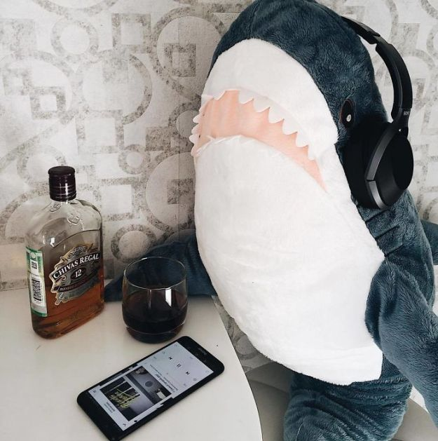 BoyWfP_hQpv-png__700 IKEA Released An Adorable Plush Shark And People Are Losing Their Minds Over It Design Random