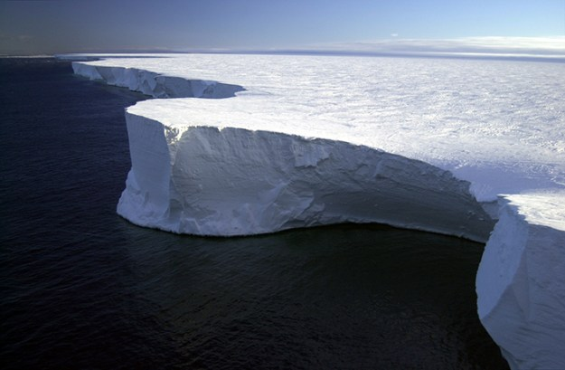 interesting-antarctica-facts-south-pole-5bd9c04836a74__700 27 Unbelievable Facts About Antarctica That Are 100% True Design Random