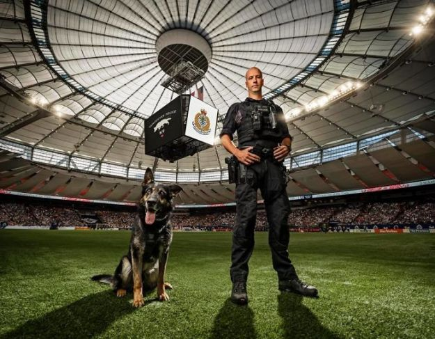 vancouver-police-department-charity-dog-calendar-2019-5-5bd16dc248a57__700 Vancouver Police Canine Unit Just Released Their 2019 Charity Calendar And It's Badass Design Random