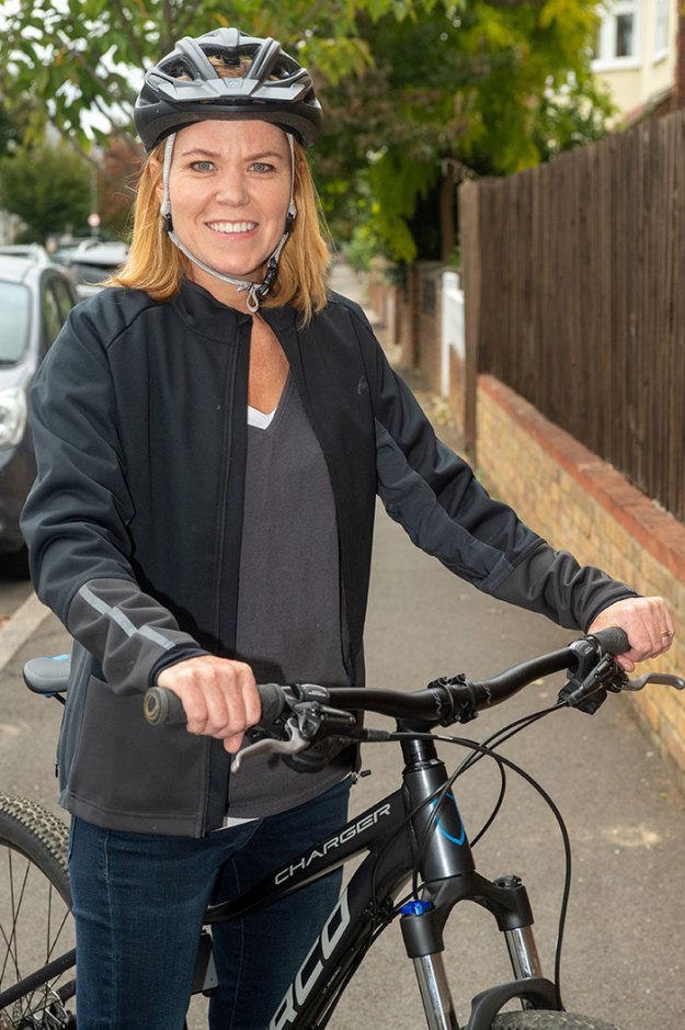 woman-steals-back-own-bicycle-gumtree-sharron-jensen-2-5bbb047ea36f0__700 The Way This Mom Got Back Her Stolen Bike From The Thief After Police Refused To Help Is Brilliant Design Random
