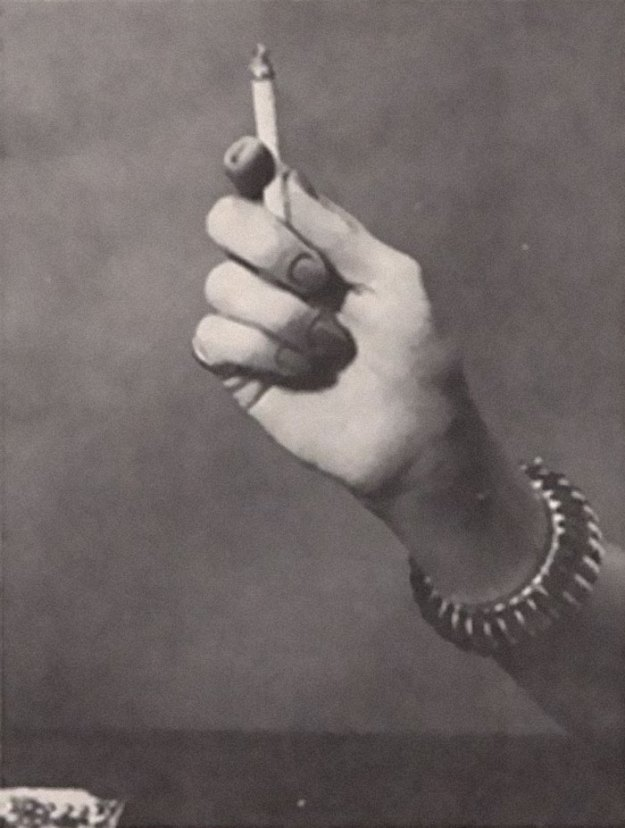 cigarette-psychology-1959-caper-magazine-dr-william-neutra-3-5bee968973f9e__700 Bizarre 1959 'Cigarette Psychology' Article Explains 9 Ways People Hold Cigarettes And What It Says About You Design Random