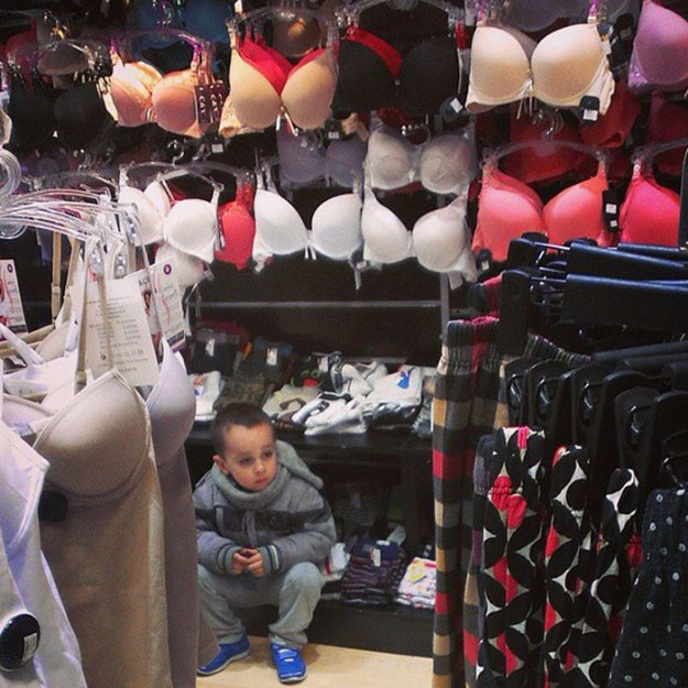 funny-miserable-men-shopping-photos-16-5bff9bf92dfb1__700 86 Funny Photos Of Men Shopping With Their Ladies Design Random