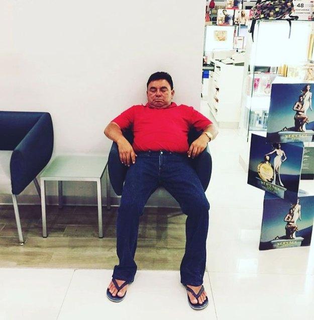 funny-miserable-men-shopping-photos-160-5bff9d2c085ae__700 86 Funny Photos Of Men Shopping With Their Ladies Design Random